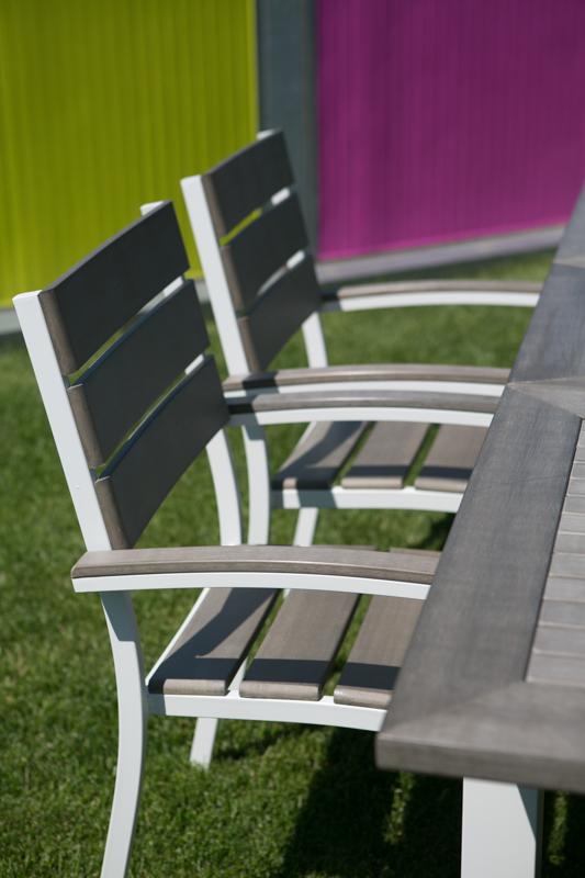 Sedie Giardinia: scegliere la sedia giusta per ogni tavolo