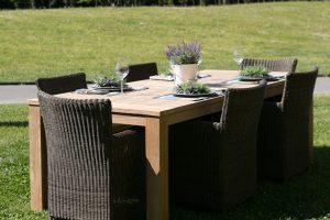 Mobili Giardinia: L'intrecciato sposa la natura del tuo giardino