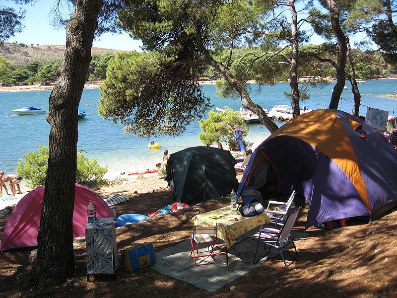 Cosa portare in campeggio: 3 oggetti indispensabili!